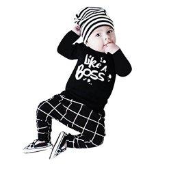 Letteratura di abiti del neonato del neonato...